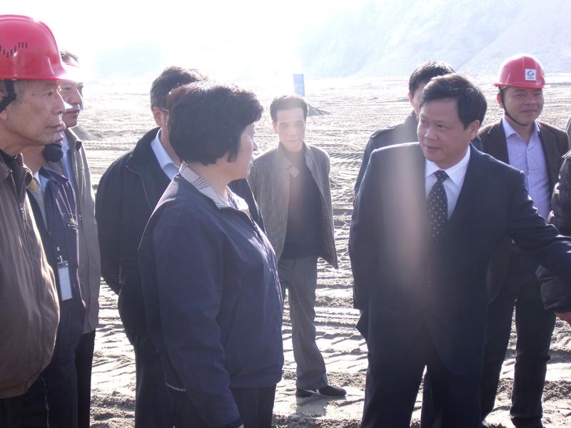 省委书记孙春兰与企业亲切交谈、给予鼓劲